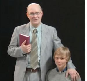 Grotesco - Pastor med pojke